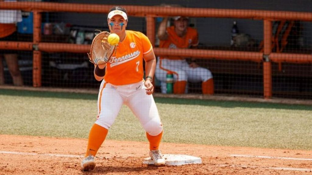 Lady Vols fall to Liberty in Knoxville Regional