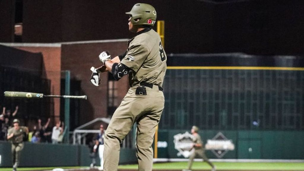 Thomas grand slam powers No. 3 Vandy to win in 11th