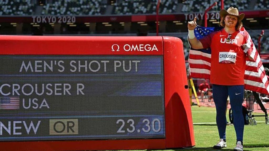 Arkansas' Crouser defends shot put gold medal
