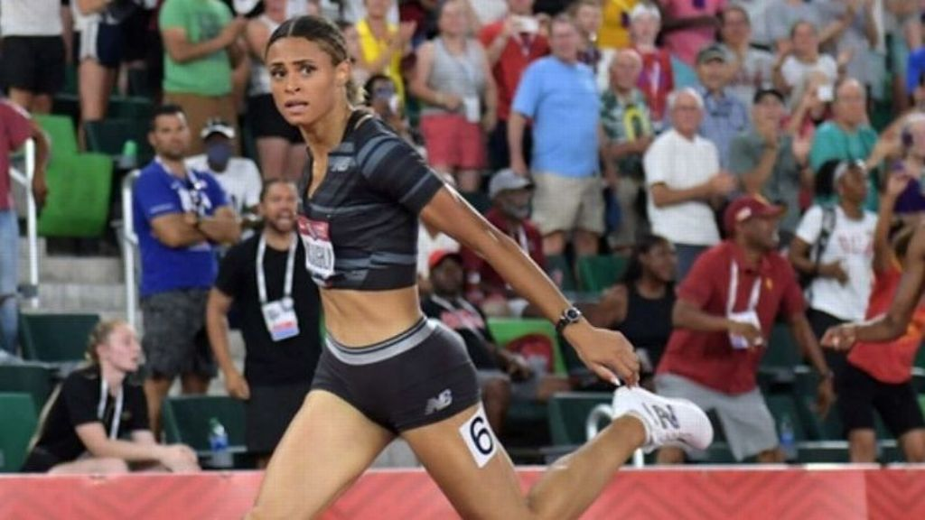 McLaughlin wins Olympic gold in world record time