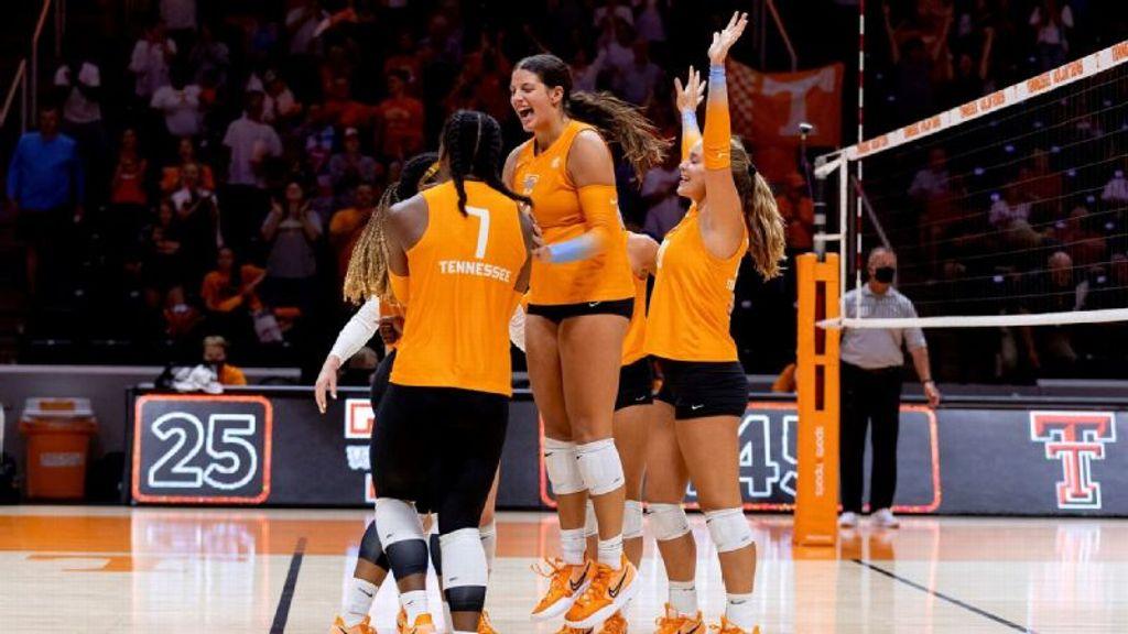 Lady Vols extend streak to four straight sweeps