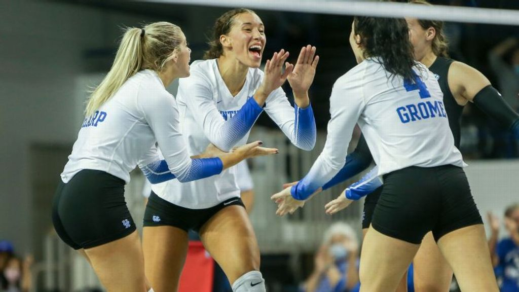 No. 5 Kentucky hands Ole Miss first loss of the season