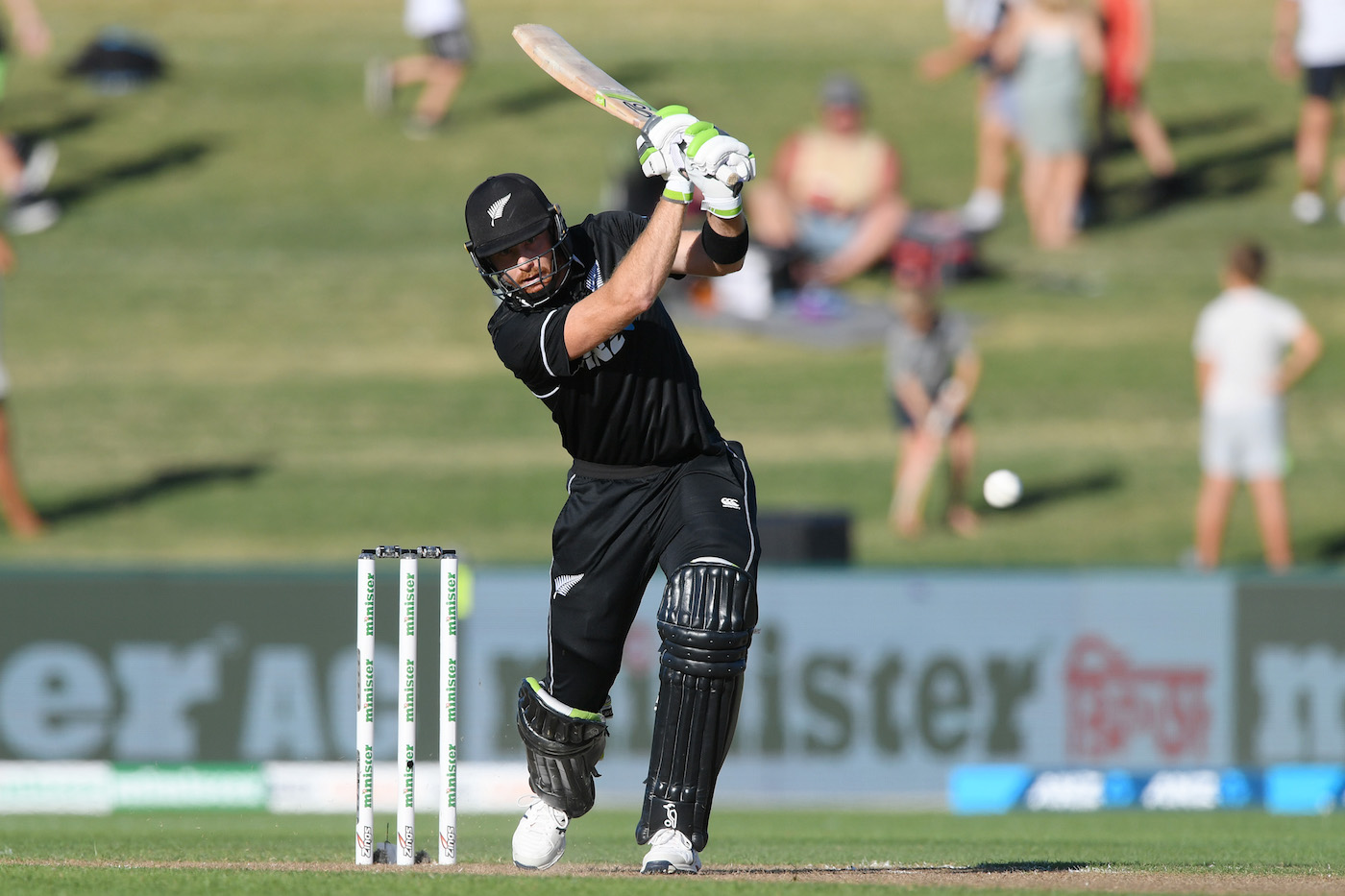 New Zealand beat Bangladesh by 8 wickets (with 33 balls