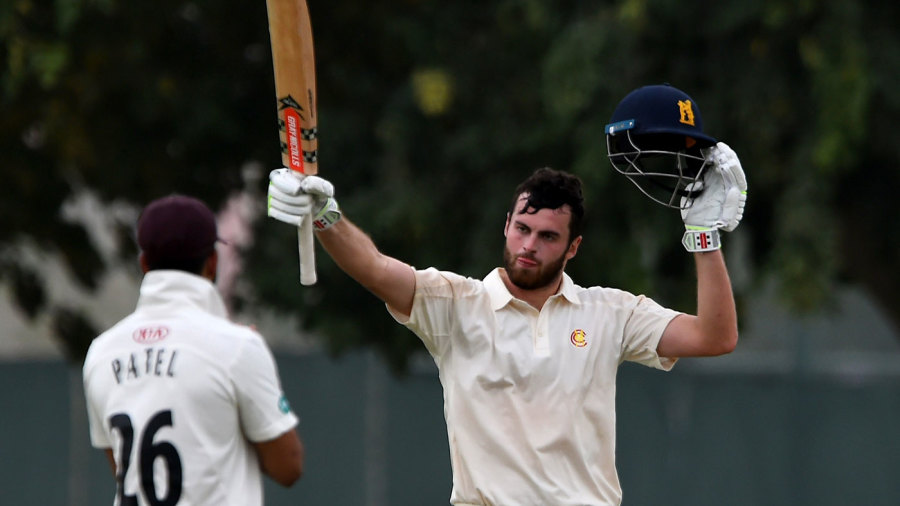 Dom Sibley stars again as Warwickshire chase down Notts