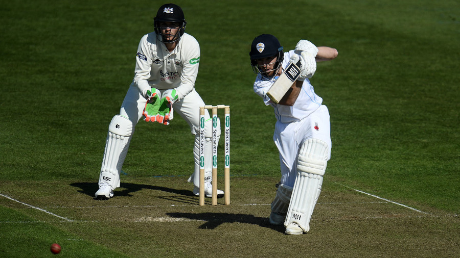 Tom Lace ties up another career-best for Derbyshire on even day in Bristol
