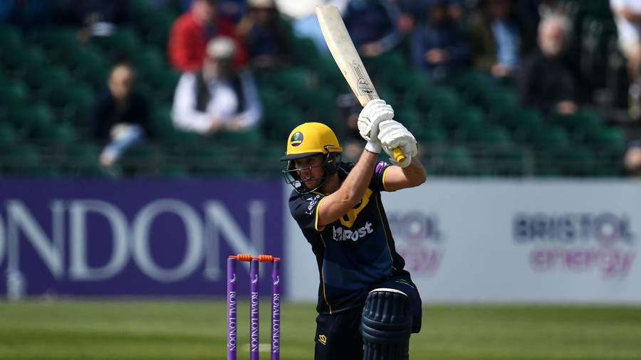 Chris Cooke, Billy Root lead Glamorgan to victory