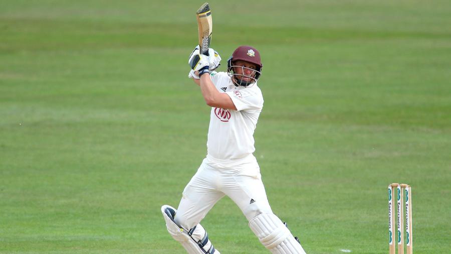 Sam Curran livens up Surrey's declaration waiting game