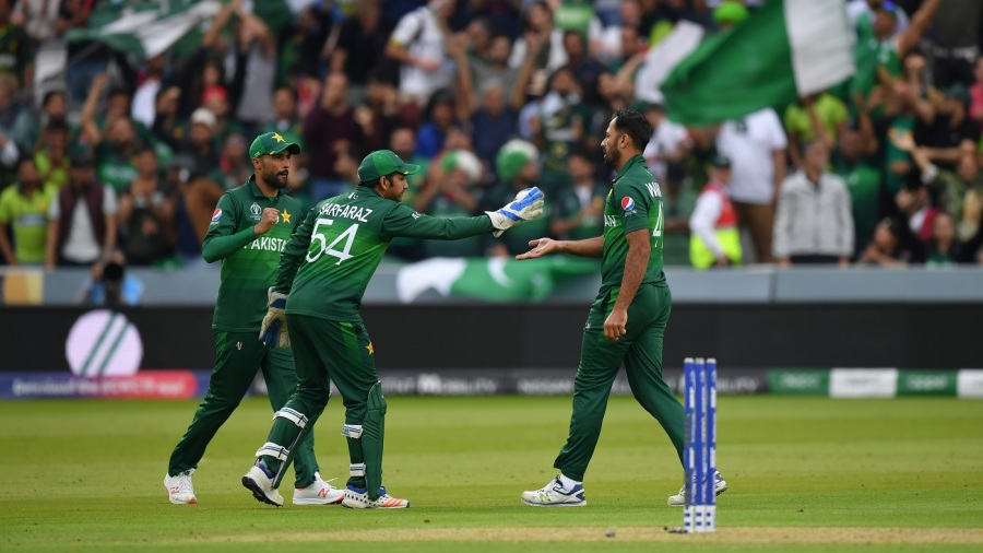 Pakistan up against it as NZ look to seal final-four berth
