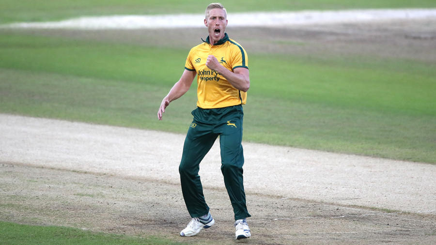 Notts bag points as Luke Wood highlights strong bowling display