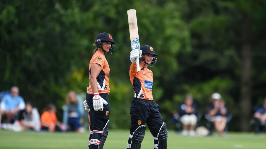In-form Danni Wyatt hits half-century as Vipers hang on against Diamonds