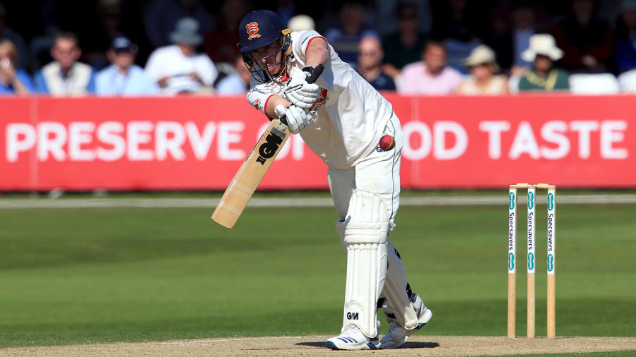 Dan Lawrence showcases talent with ton for Championship challengers Essex