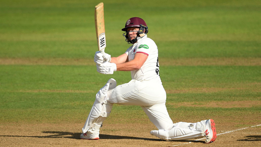 Roelof van der Merwe provides the impetus to keep Somerset's title hopes alive