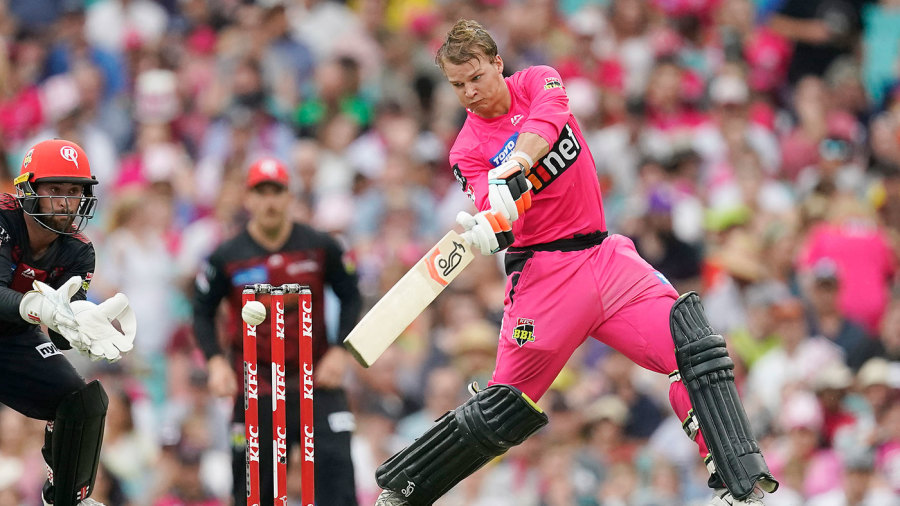 Josh Philippe and Steven Smith guide impressive Sydney Sixers chase