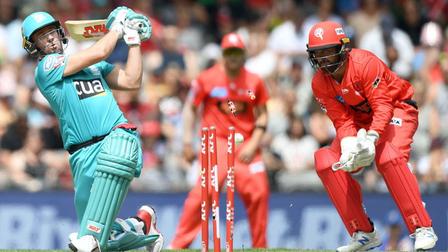 Aaron Finch masterminds chase to end Brisbane Heat's season
