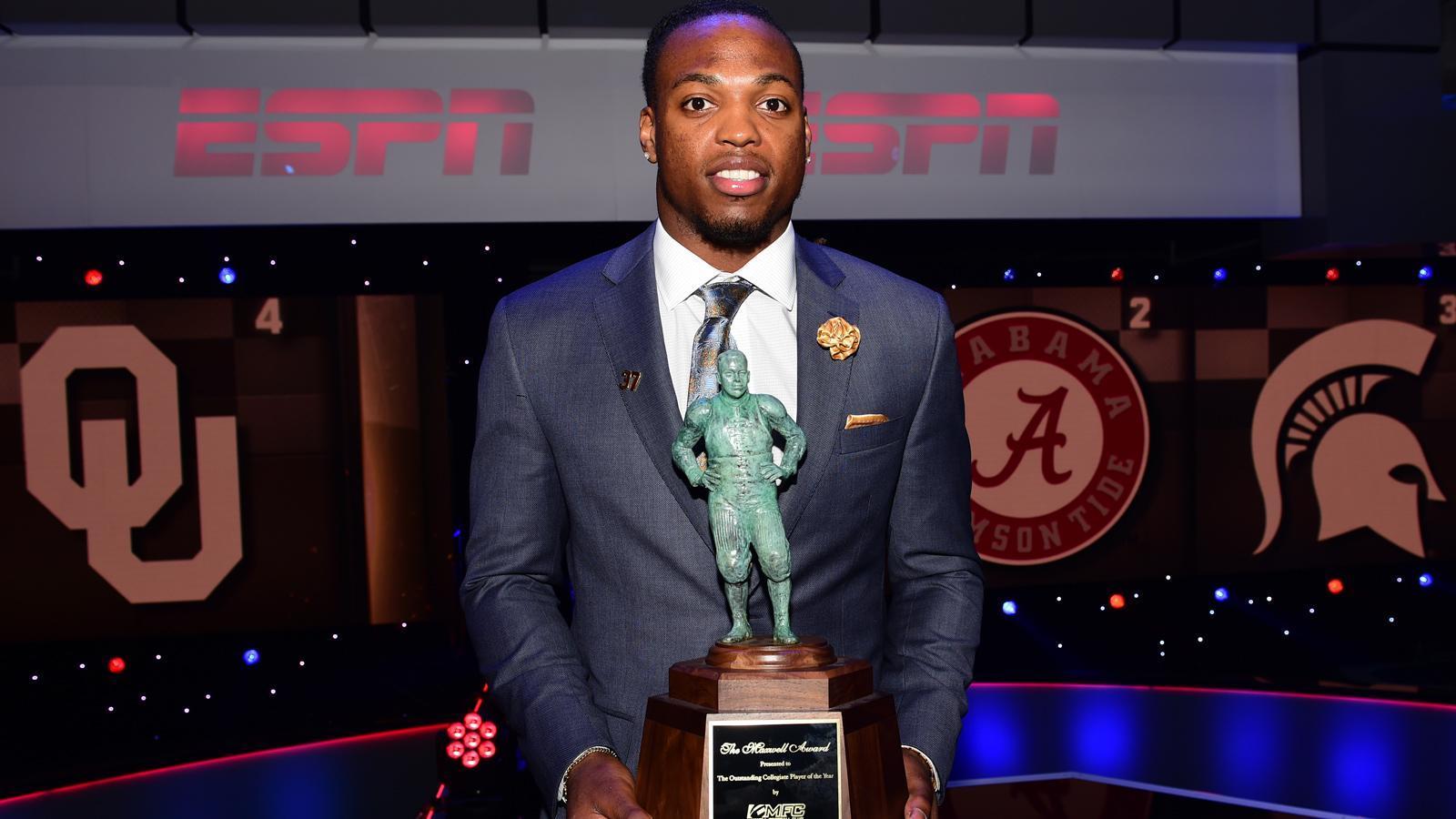 Alabama RB Derrick Henry wins Maxwell Award, Doak Walker ...