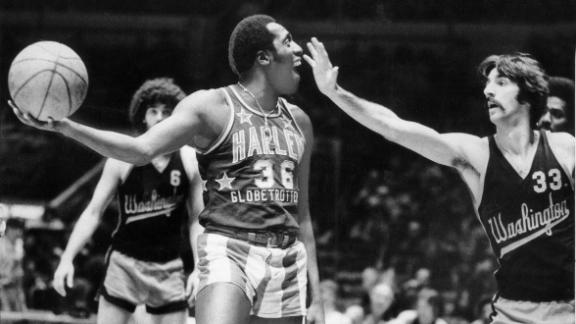 dm_151228_mm_on_meadowlark_lemon.jpg