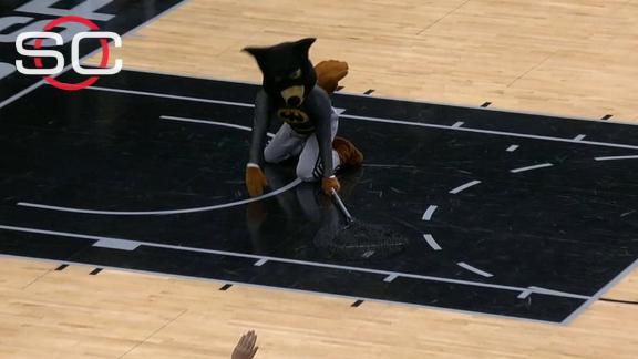 Mascot Catches Bat Before Spurs