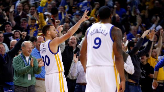 Stephen Curry upstages Steve Kerr s return 7d9960846