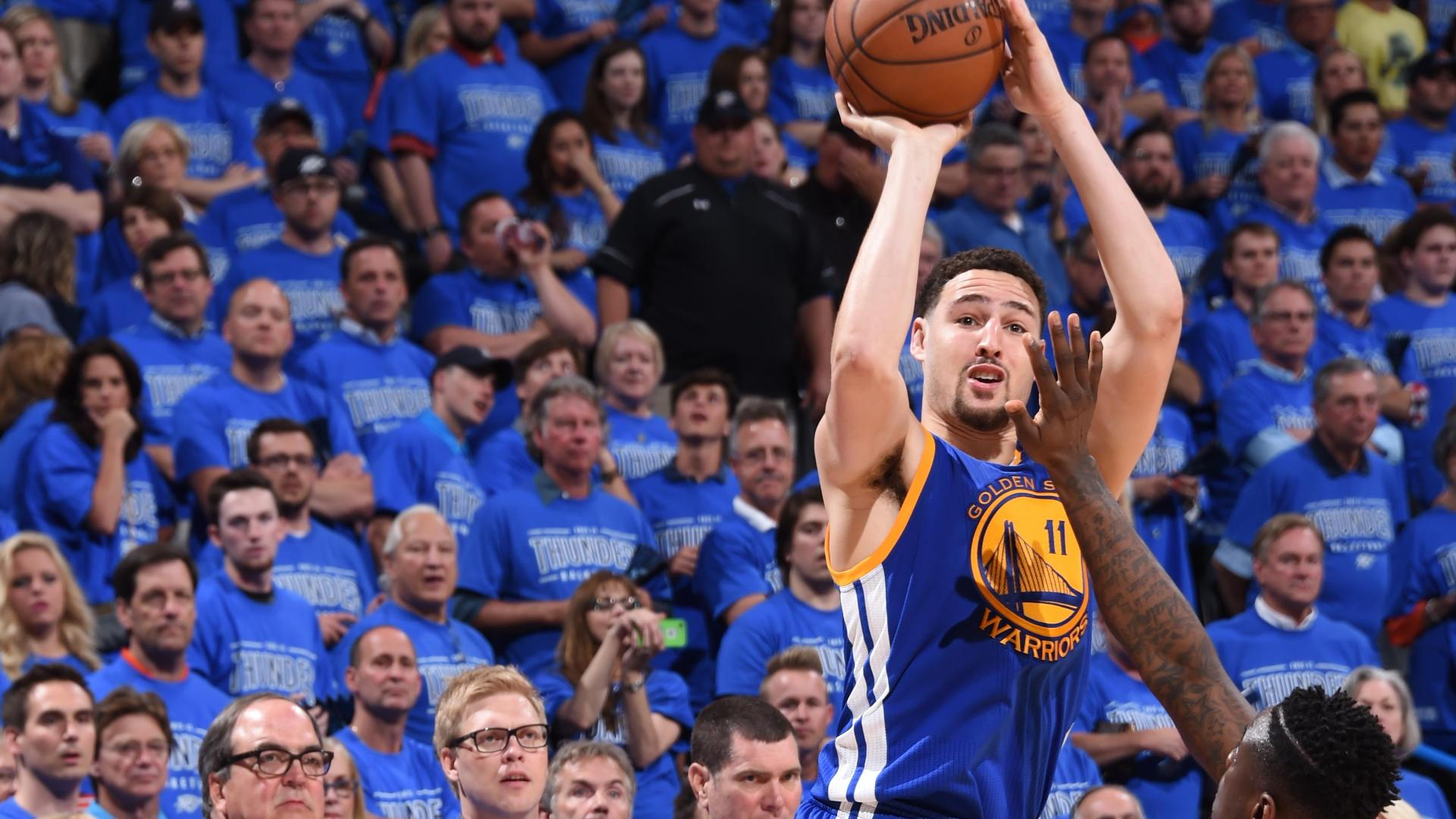 a822d419bc24 Klay Thompson hits playoff-record 11 3s