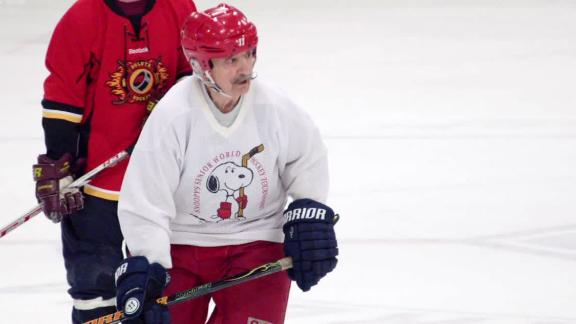 The world's oldest hockey player