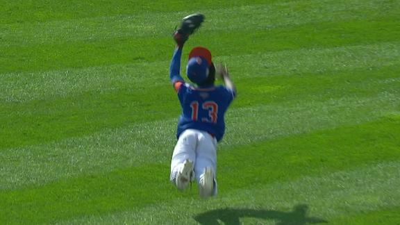 Diving catch robs a hit at LLWS