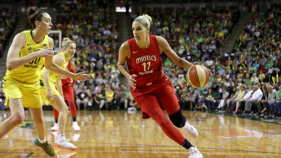 Kobe says Stewart and Delle Donne 'can literally do it all'