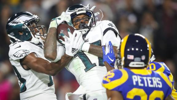 Nick Foles works magic again, leads Eagles to upset of Rams