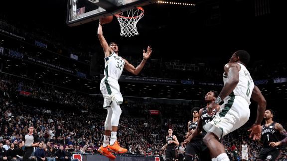 Giannis' stellar performance sparks Bucks