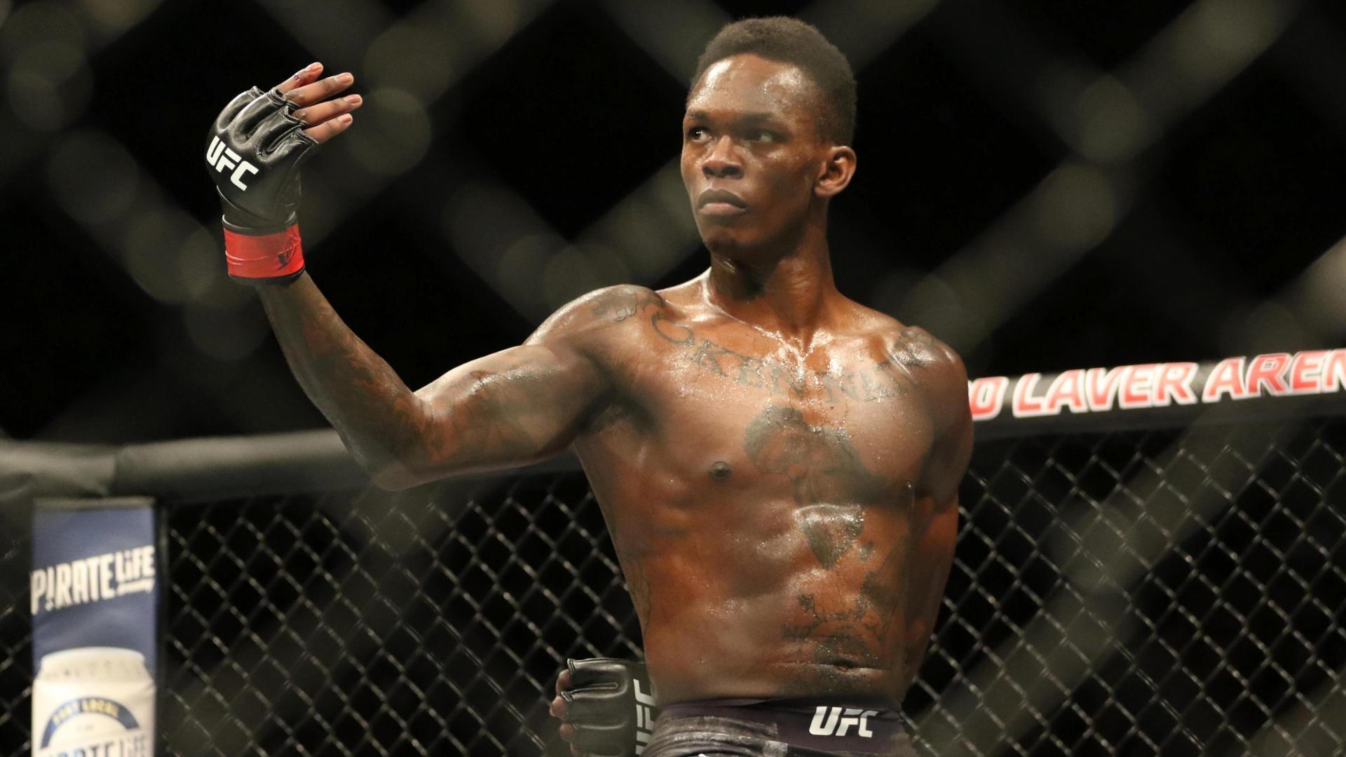 Adesanya beats Silva by decision