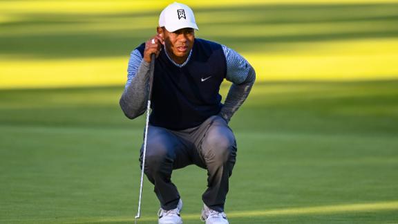 Tiger surges into top-15 at Riviera