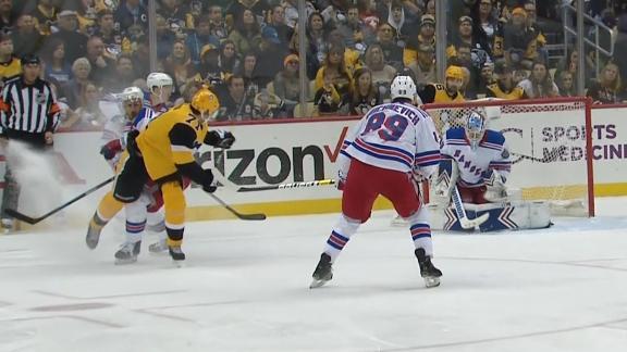Malkin scores amazing spinning goal for Penguins