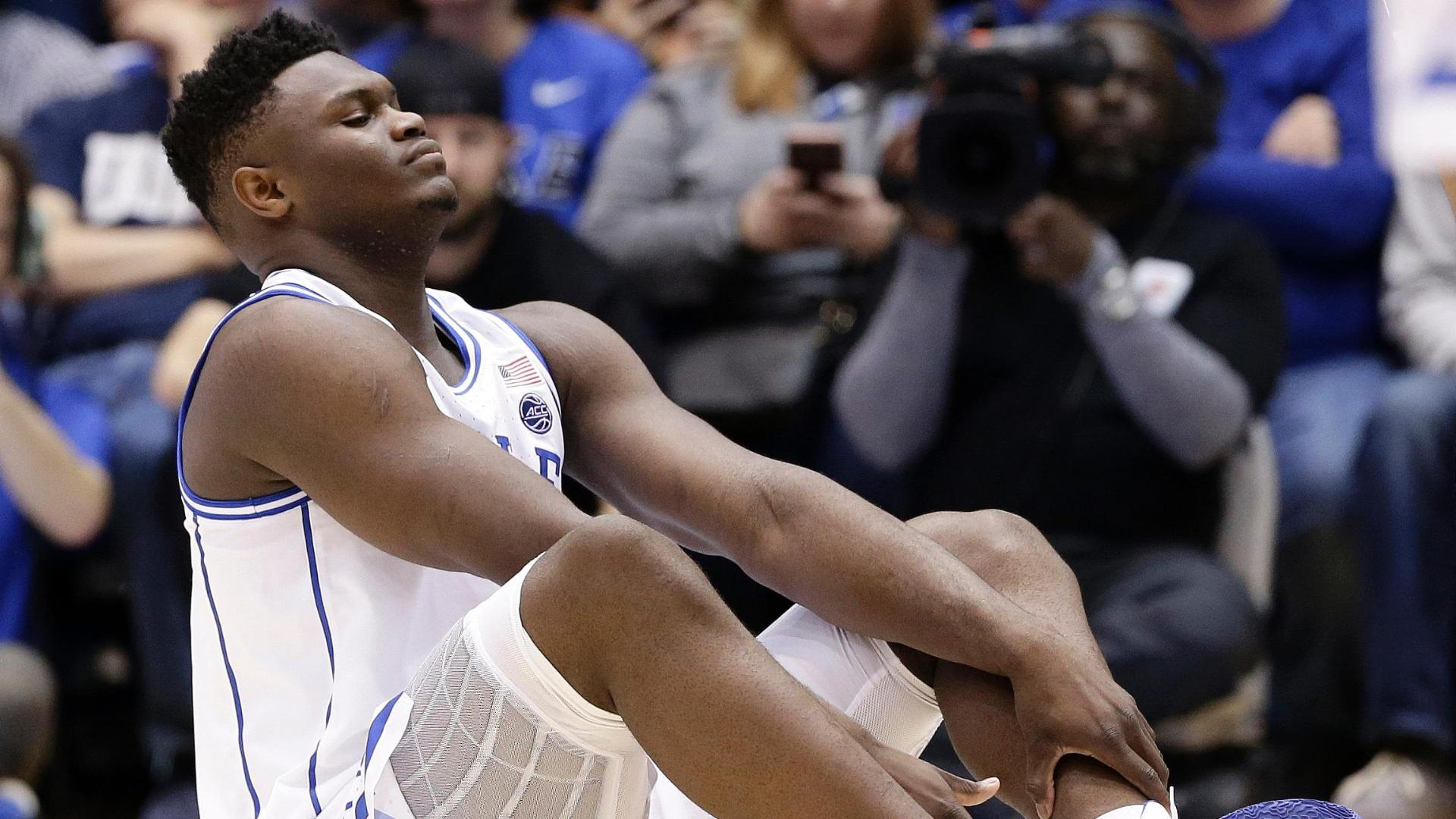 UNC builds halftime lead after Zion exits