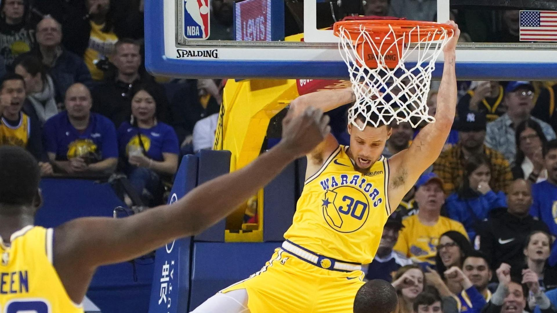 Curry elevates for rare slam