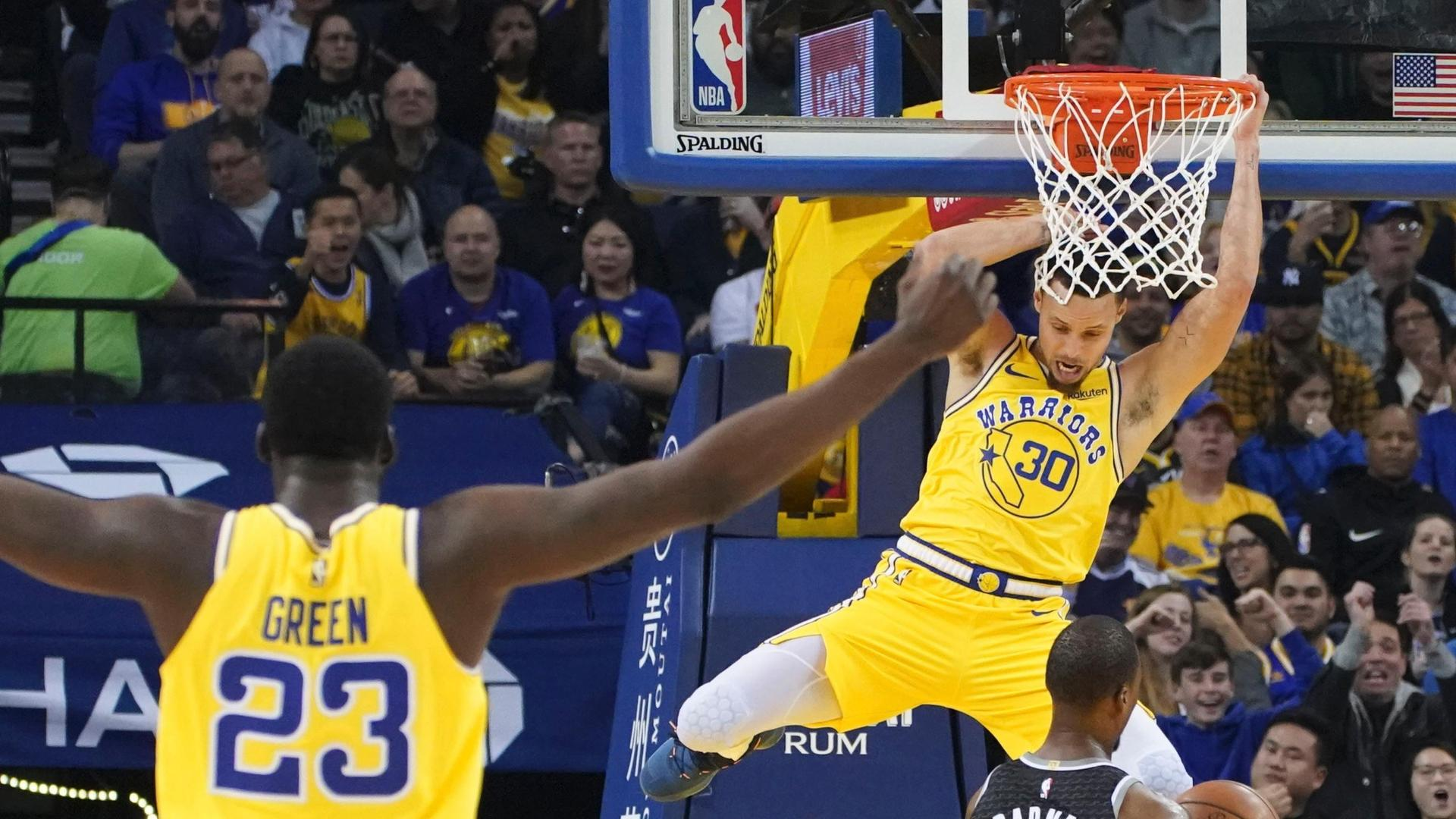 Curry elevates for rare slam