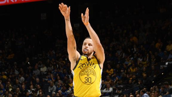 Curry shimmies after burying 30-foot 3-pointer