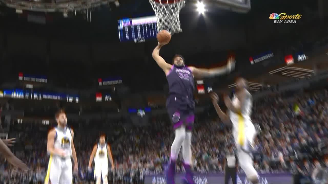 Towns stares down Durant after massive slam