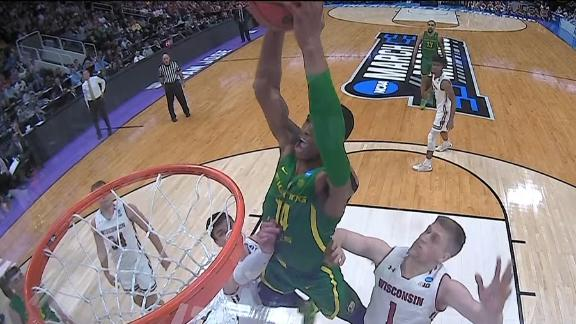 Wooten's block leads to monster slam in Oregon win