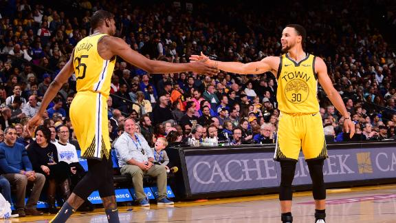 Warriors' All-Stars come up huge in win over Pistons