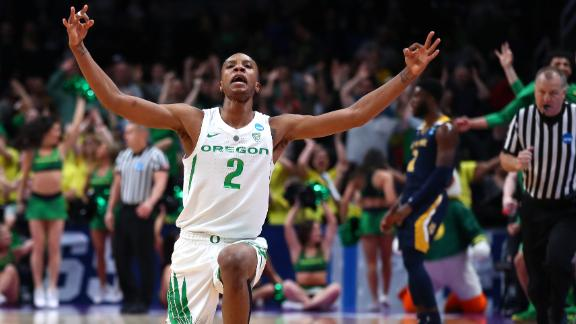 Oregon gets hot late in win over UC Irvine