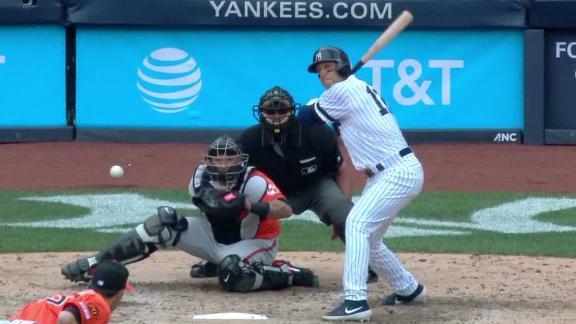 Tulowitzki hits 1st HR as a Yankee