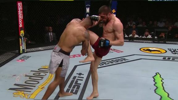 Imadaev and Griffin exchange knees, elbows