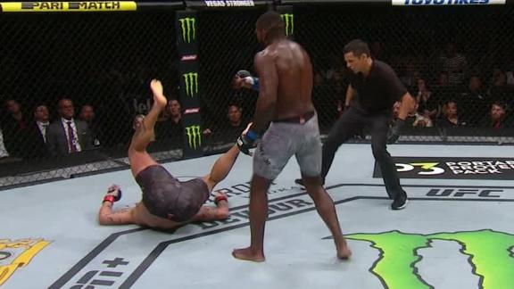 Rountree dominates Anders with leg kicks