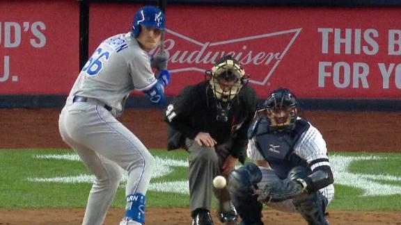 c25b1e075e1 Active bats help Royals dominate Yankees 6-1