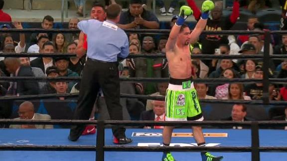 Garcia knocks out Granados in 7th round