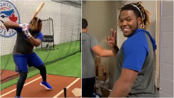 Vlad Jr. takes 1st batting practice with Blue Jays