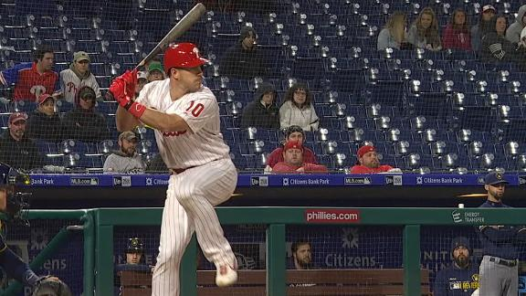 Realmuto double gives Phillies the lead in 7th