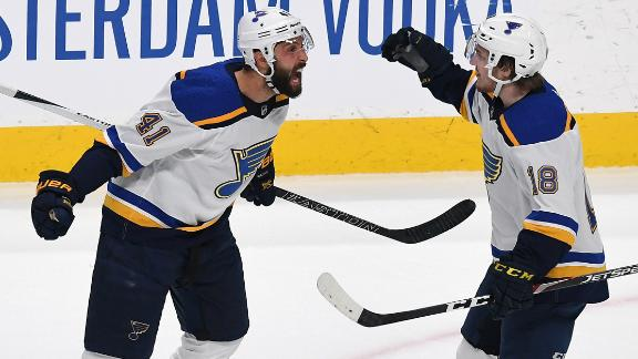Blues pull away late to even series vs. Sharks