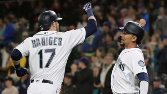 Mariners blast 3 HRs to beat A's