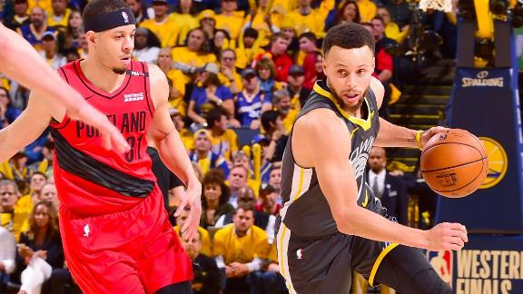 Steph comes out on top in Game 2's battle of the Curry brothers
