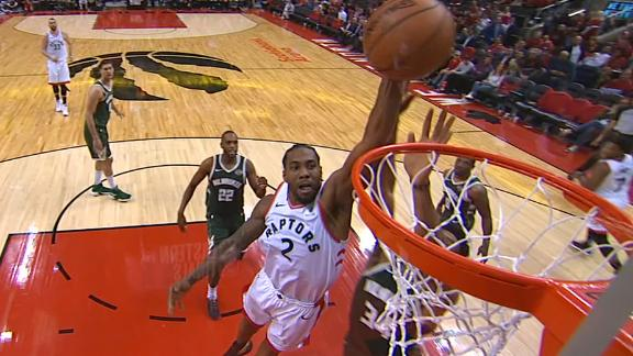 Kawhi dunks on Giannis for 3-point play